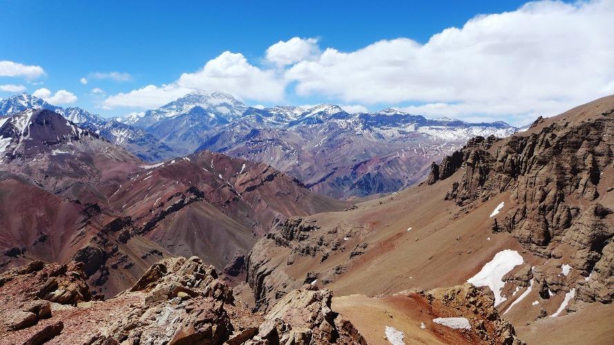 L'Aconcagua (6962m) dans les nuages
