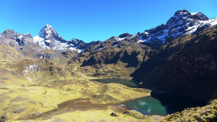 Lagunes Azulcocha et Nevado Sirihuani